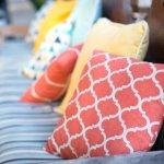 Menggunakan bantal untuk bersantai tentu saja dibutuhkan di saat-saat kita ingin bersantai dan beristirahat, baik bersama kolega maupun keluarga. Yuk, simak bantal sofa apa saja yang menjadi rekomendasi dari BP-Guide!