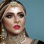 Aksesori khas India yang eksotis banyak digemari terutama bagi mereka yang menyukai gaya etnik. Kalau kamu adalah salah satunya, kamu bisa lirik beberapa koleksi anting khas India untuk melengkapi penampilanmu.