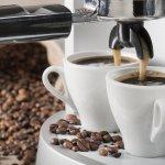 Membuat kopi sendiri dengan mesin pembuat kopi tentunya memiliki sensasi tersendiri. Apakah kamu juga ingin memiliki mesin kopi sendiri di rumah? Sebelum membelinya, simak dulu artikel dari BP-Guide berikut ini, yah.