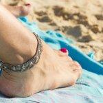 Percantik Langkahmu Dengan 8 PIlihan Gelang Kaki Menarik Rekomendasi BP-Guide