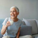 10 Rekomendasi Susu Lansia untuk Menjaga Asupan Nutrisi dan Kesehatan Tubuh di Usia Senja (2021)