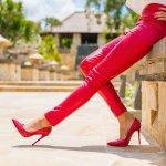 Celana adalah outfit yang pasti kita gunakan saat hendak beraktivitas, terutama aktivitas di luar rumah. Entah itu untuk ngantor ataupun main, celana selalu jadi item fashion yang tidak boleh dilewatkan. Tahu nggak? BP-Guide punya rekomendasi celana wanita yang saat ini sedang ngetren dan paling up-to-date, lho! Cari tahu, yuk!