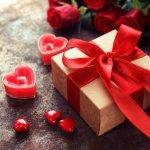Với những người đang yêu, nhận được quà từ người ấy trong ngày Valentine là điều tuyệt vời hạnh phúc nhất. Tình yêu vốn hình thành từ những điều bình dị nhất, vì vậy không nhất thiết tặng quà đắt tiền mới phù hợp. Dưới đây là 10 gợi ý quà Valentine giá rẻ đầy ý nghĩa (năm 2021), mời bạn cùng tham khảo ngay nhé!