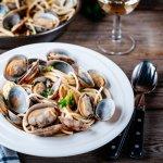 Kerang merupakan seafood yang sangat mudah dimasakn dan selalu lezat saat dinikmati. Nah, untuk kamu yang butuh referensi masakan dari kerang, maka kamu wajib mengikuti artikel ini nih. Yuk, cek berbagai resep kerang yang lezat versi BP-Guide!