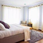 Kamar tidur adalah salah satu ruangan favorit dalam rumah dan tirai bisa jadi elemen dekorasi kamar tidur yang cantik. Kalau Anda ingin menghias kamar tidur dnegan tirai, Anda bisa pilih beberapa rekomendasi tirai kamar tidur dari BP-Guide berikut!