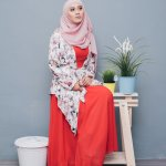 Perkembangan fashion bagi wanita muslimah semakin beragam. Ada ragam model dan warna yang saat ini sedang trendi. Agar tampilanmu fashionable, kamu wajib tahu rekomendasi busana wanita muslimah dari BP-Guide nih. Yuk, langsung simak ulasannya!