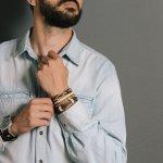Aksesoris merupakan hal wajib yang dapat menunjang style kita agar lebih keren. Sudah banyak aksesoris model kece khusus pria yang bisa dibeli seperti jam tangan, cincin, hingga gelang. Anda hanya perlu untuk memadupadankan saja sesuai dengan gaya fashion Anda.