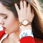 数ある腕時計ブランドの中でも、高い技術力とデザイン性で、幅広い年代の女性に支持されているのがシチズンです。シチズンには様々なデザインや機能を備えたレディース腕時計が揃っているので、それぞれの特徴を理解して自分に合った逸品を見つけましょう。今回は腕時計の選び方だけでなく、シチズンの人気シリーズランキングもご紹介します。ぜひ腕時計選びの参考にしてください。
