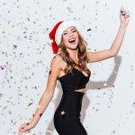 Untuk menghadiri acara spesial, wanita tentu membutuhkan busana yang juga istimewa seperti gaun. Model busana yang satu ini memang membuat wanita tampak lebih cantik dan feminin. Mau tahu model gaun cantik yang bisa digunakan untuk merayakan natal? SImak rekomendasinya berikut!