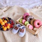 みずみずしい味わいとヘルシーさが魅力のフルーツは、大人からこどもまでみんなが美味しく食べられます。また、出産を終え子育てをスタートしたママたちは、体力を付けるためにも質の良いビタミンをとる必要があります。ここでは、そんなママたちにうれしいフルーツのギフトをジャンル別にご紹介いたします。