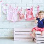 Tak seperti orang dewasa, bayi memerlukan perhatian yang lebih banyak. Seperti baju bayi yang tak boleh sembarangan beli. Demi si buah hati, yuk, lihat tips membeli baju bayi di artikel ini!