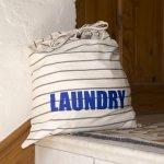 Tas laundry adalah pilihan yang tepat untuk menyimpan pakaian kotor dan membawanya ke jasa laundry. Bingung mencari tas laundry yang tepat? Jangan khawatir, BP-Guide akan memberikan rekomendasinya untuk Anda.