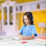 Belajar secara online memang memiliki banyak kelebihan dan tidak dapat dipungkiri ada pula kekurangannya. Salah satu kekurangannya adalah jika anak Anda belajar di mana saja tanpa difasilitasi meja belajar karena hal ini dapat membuatnya mudah lelah. Daripada membuat anak Anda tidak nyaman, yuk cek dulu berbagai rekomendasi meja belajar anak ini.