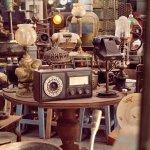 Mengoleksi barang antik menjadi kepuasan tersendiri bagi banyak orang. Tentunya, semakin tua dan bernilai seni barang tersebut, maka akan semakin mahal harganya. Agar lebih tahu tentang barang antik, baca dulu ulasan dan rekomendasi produk dari BP-Guide berikut ini, yah.
