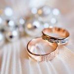 手元を華やかに演出する指輪は、女性にとって気分が高まる身近なアクセサリーです。今回、編集部がwebアンケート調査などをもとに厳選したレディース指輪ブランドをランキング形式でご紹介!デザインだけでなく、質にもこだわりたい40代女性向きの人気ブランドが満載です。ランキングを参考に、自分に合う素敵な指輪を見つけてください。