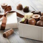 Beri Kenangan Unik dengan 9 Rekomendasi Hadiah Cokelat Wisuda untuk Orang-orang Terdekatmu