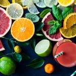 Tampilan makanan akan jadi lebih menarik dan menggoda selera saat diberi hiasan. Aneka buah-buahan segar bisa lebih menarik jika dipakai sebagai garnis. Jangan hanya diiris biasa, kamu bisa berkreasi membentuk buahnya supaya lebih menarik. Intip inspirasi dari BP-Guide, ya!