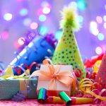 Bạn đang muốn tặng sinh nhật người bạn của mình một món quà thật độc đáo, mang dấu ấn riêng? Hãy nghĩ ngay đến những món quà handmade. Những món quà này luôn mang trong nó ý nghĩa đặc biệt và khiến người nhận trân quý món quà hơn bao giờ hết. Hãy tham khảo ngay gợi ý 10 cách làm hộp quà dễ thương tặng sinh nhật bạn qua bài viết dưới đây nhé!