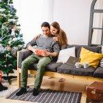 彼氏や旦那さんへのクリスマスプレゼントには、良いものを選びたいと考える人も多いでしょう。最近は、1万円で買える質の良いアイテムや機能性の高い商品が増えてきました。今回は、編集部がwebアンケート調査などをもとに厳選した、1万円前後で購入できるおすすめのクリスマスプレゼントをランキング形式でご紹介します。この記事を読めば、夫や彼に喜ばれる人気のアイテムがわかります。