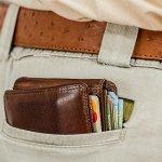 Dompet persembahan Crocodile memang tidak perlu diragukan lagi kualitasnya. Pilihan warnanya banyak dan modelnya pun bervariasi. Yuk, lengkapi koleksi dompetmu dengan rekomendasi dompet Crocodile dari kami!