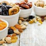 Bingung memilih buah tangan dari Tanah Suci? Anda bisa pilih aneka buah kering sebagai oleh-oleh yang anti mainstream. Simak rekomendasinya dari kami!