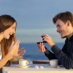 Memastikan sesuatu yang disukai pasangan adalah cara yang sebaiknya dilakukan saat memberikan kejutan untuknya. Sebuah perhiasan merupakan pilihan tepat yang sudah tentu digemari kaum wanita. Apalagi dengan desain yang menarik dan elegan, sudah pasti mereka akan merasa bahagia menerimanya. Seperti rekomendasi perhiasan yang bisa Anda berikan pada pasangan berikut ini.