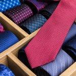 働く男性にとって、ネクタイは大切なファッションポイントです。ビジネスでもカジュアルでも素敵なネクタイを付けることで、相手の方に与える印象が大きく変わります。そこで、【2020年最新情報】数あるブランドの中から、男の質を上げる人気のネクタイを紹介します。男性への贈り物としては定番のネクタイなので、何をプレゼントしたらいいか迷っている方はぜひ参考にしてください。
