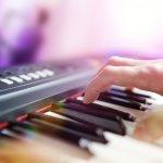 Alat musik keyboard banyak diminati karena memang bisa mengeluarkan aneka suara instumen musik. Ini membuatnya cocok sebagai pengiring organ tunggal dan bisa juga digunakan untuk berlatih sebelum beralih ke alat musik piano. Ada banyak jenis keyboard yang bisa kamu pilih. Cek rekomendasi dari kami, ya!