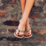 Aktivitas liburan memang sangat menyenangkan apalagi kamu akan berkeliling ke berbagai tempat baru. Agar semakin nyaman beraktivitas, kamu bisa memilih sandal untuk menemani langkahmu selama liburan. Yuk, cek dulu rekomendasi sandal wanita dari Kickers untuk kenyamanan kakimu.