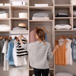 Butuh lemari pakaian tetapi kamarmu sempit? Bukan jadi masalah kalau kamu memakai jenis lemari praktis. Seperti apa sih lemari praktis itu? Cek jenisnya dan juga rekomendasinya bersama BP-Guide ya!