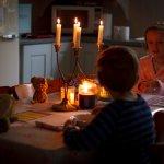 Mati lampu bisa jadi hal yang tidak menyenangkan. Segala aktivitas yang menggunakan listrik pastinya akan terganggu. Namun, kamu juga masih bisa melakukan sesuatu yang menyenangkan saat mati lampu, lho. Berikut penjelasannya dari BP-Guide.