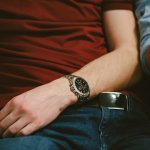 ディーゼルは、若い男性から大人気のファッションブランドです。また、女性向け・子供向けラインも展開するなど幅広い層にも浸透しており、アパレル業界でも屈指の存在として広く知られています。 今回は、そんな男性にとって魅力的なディーゼルの腕時計を特徴や予算も交えてご紹介します。特に、遊び心を刺激するクロノグラフや男性の魅力を引き出すメガチーフシリーズなどは注目です。ぜひ、プレゼントを贈る際の参考にしてください。