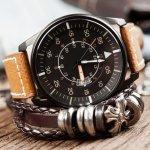 デジタル全盛の現代においても、アナログ腕時計は変わらぬ人気を誇っています。そこで今回は、【2019年最新情報】として男性へのプレゼントに人気のアナログ腕時計をまとめました。便利な電波ソーラー腕時計やおしゃれでリーズナブルなものなど幅広く集めましたので、ぜひ参考にしてください。