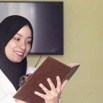 Mendalami Islam memang membutuhkan kajian mendalam. Selain rutin mengikuti kajian bersama para ulama, membaca buku-buku keislaman menjadi hal yang bisa kamu lakukan untuk memperkaya wawasan keagamaanmu. Yuk, cari tahu buku-buku apa saja yang direkomendasikan BP-Guide!