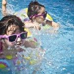 Ajak Anak Berlatih Berenang Sejak Dini dan Bekali Si Kecil dengan 10 Rekomendasi Perlengkapan Renang Anak Berikut! (2020)