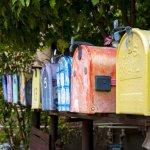 Meski zaman sudah modern, kotak surat tetap bisa jadi hiasan rumah yang menarik untuk diletakkan di depan rumah. Yuk, intip beberapa ide kotak surat unik yang mungkin tidak kamu sangka berikut ini!