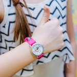 Jam tangan saat ini sudah jadi salah satu aksesoris kesukaan wanita dan memiliki jam tangan cantik yang imut pasti jadi dambaan kaum hawa. Yuk simak rekomendasi jam tangan wanita lucu persembahan BP-Guide berikut agar tampilanmu makin trendi dan stylish.