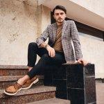 Sepatu adalah elemen yang sangat penting dalam penampilan seorang pria. Untuk selalu tampil maskulin dan elegan, jangan lupa intip koleksi sepatu pria terbaru 2020 versi BP-Guide berikut ini. Simak rekomendasi produknya, yuk!