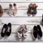 Celana kulot adalah salah satu jenis celana yang kini banyak diminati khususnya para wanita. Kalau Anda sering kebingungan mencari pasangan sepatu yang cocok untuk celana kulot, Anda bisa simak ulasan BP-Guide berikut ini.
