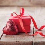 उपहार सब को अच्छे लगते है और उपहार की कीमत उपहार  देने वाले की नियत नहीं बता सकती।  अगर आपके पास पैसे की तंगी है तो हम के लिए एक सूचि लाये है जिसमे आपको अपने हर प्रियजनों के लिए उपहार मिलेंगे।  अधिक जानने के लिए सूचि पूरी पढ़े।