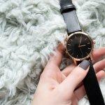 若い世代を中心に人気のあるチープカシオは、リーズナブルであるのはもちろん、おしゃれなデザインが多いためプレゼントにも人気があります。今回は「2018年最新情報」として、女性へのギフトにおすすめのチープカシオのレディース腕時計をまとめました。アナログ・デジタルいずれについてもセンスの良い商品を集めましたので、ぜひ参考にしてください。