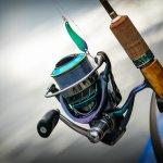 Memancing adalah hobi banyak orang, terutama pria. Salah satu perlengkapan memancing yang harus disediakan adalah reel pancing. Berikut BP-Guide akan memberikan rekomendasi alat pancing terbaik untuk Anda yang hobi memancing di laut lepas.