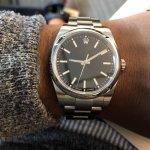 Menjadi salah satu aksesori yang paling sering dipakai membuat jam tangan kini hadir dalam beragam bentuk yang menarik. Jam tangan unik kerap dipilih sebagai penunjang penampilan untuk tampil beda di setiap kesempatan. Tertarik untuk memiliki jam tangan unik? Ini dia rekomendasinya yang patut kamu lirik.
