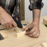 Kamu yang suka membuat barang DIY pasti membutuhkan lem kayu. Lem kayu juga dibutuhkan untuk memperbaiki furnitur. Berikut beberapa pilihan lem kayu murah yang bisa kamu gunakan berikut tips memilih lem kayu. Yuk, langsung cek dulu!