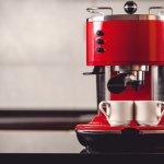 Sudah nggak zamannya lagi nih buat pencinta kopi harus pergi ke kafe untuk mendapatkan secangkir kopi. Buktikan kecintaanmu pada minuman hitam satu ini dengan memiliki mesin kopi sendiri. BP-Guide punya rekomendasi mesin kopi keren seharga Rp 5 jutaan yang bisa kamu miliki.