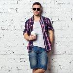 Celana jeans pendek sangat cocok dikenakan saat musim panas, karena tidak gerah di kaki. Padukan dengan tampilan kasual, dijamin akan membuat kamu menjadi semakin menarik. Kalau belum ada inspirasi, simak saja artikel BP-Guide berikut!