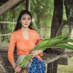 Kebaya adalah baju tradisional wanita Indonesia yang memiliki ciri khas unik di setiap daerahnya. Kali ini, ada kebaya Bali yang akan dikupas tuntas oleh BP-Guide. Jangan sampai kamu melewatkan rekomendasi kebaya Bali yang paling banyak dicari, nih. Yuk, simak sampai selesai, ya!
