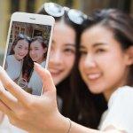 Handphone asal Korea mulai diperhitungkan ketika produk smartphone Android dari Samsung merajai pasaran dunia, juga Indonesia. Alhasil, produk ponsel lainnya dari negeri ginseng ini mulai menjadi pilihan utama bagi penggemar ponsel. Simak rekomendasi berikut bila kamu juga ingin mencari produk ponsel asal Korea.