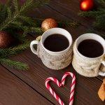年に一度の特別なイベントであるクリスマスには、ふたりの絆を感じられるお揃いのグッズを彼女にプレゼントして、愛する気持ちを伝えましょう。今回は、カップルで楽しめるさまざまなペアグッズをランキング形式でご紹介します。素敵なプレゼント選びに役立つ情報が満載なので、ぜひ最後までチェックしてください。
