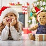 年に1度のクリスマスは、サンタさんからのプレゼントに幸せな笑顔を浮かべるお子さまを見られる素敵なイベントです。今回は、4歳の女の子に喜ばれるクリスマスプレゼント「2019年最新版」をランキング形式でご紹介します。ぜひ、思い出に残る素敵なプレゼントを見つけてください。